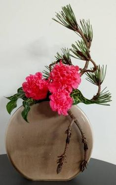 Arrangement Floral Ikebana, Arrangements Ikebana, Candle Arrangements, Modern Flower Arrangements, Wedding Arrangements, Deco Floral, Arte Floral, Floral Design, Fleur Design