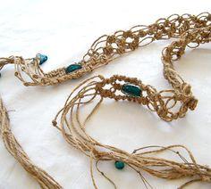 "retro MACRAME BELT 52/"" long 1/"" wide wooden beads thongs hippy boho tie Vintage"