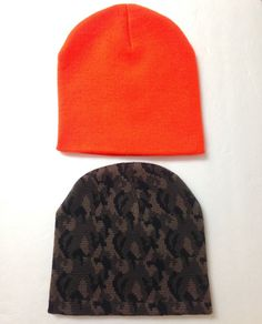 de1a402d931 new lot of 2 hats CAMOUFLAGE  amp  BRIGHT ORANGE BEANIE Winter Knit Outdoor  Hunting