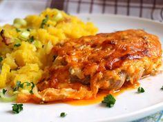 Krkovice zapečená s cibulí a sýrem. Cibule se postará o luxusní šťávičku. Autor: Naďa I. (Rebeka)