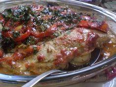 Enviada por Adriana Calazans Teixeira Martins Costa e demora apenas 60 minutos. Lunches And Dinners, Meals, Fish Recipes, Asian Recipes, Healthy Recipes, Good Food, Yummy Food, Portuguese Recipes, Fish Dishes