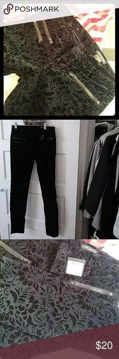 Dark Navy/Black flocked skinny jeans New size 0 Club Monaco skinnies Club Monaco Pants Skinny