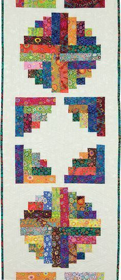 I really like the 'open' Log Cabin block! Curvy Log Cabin Quilts by Jean Ann Wright Log Cabin Quilts, Édredons Cabin Log, Log Cabin Quilt Pattern, Quilt Block Patterns, Quilt Blocks, Log Cabins, Patchwork Quilt, Jellyroll Quilts, Small Quilts