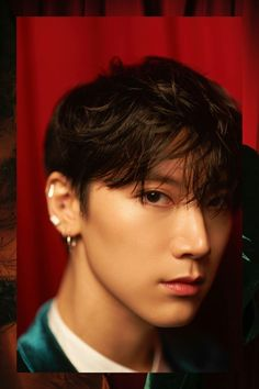 NCT's Chinese unit WayV is back with more 'Regular' individual teaser images, this time for members Ten and Kun!WayV will … Kim Dong Young, Lee Young, Nct 127, Yang Yang, Winwin, K Pop, Taeyong, Ten Chittaphon, Fandoms
