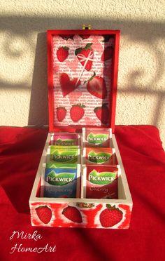 Krabička na čaj s motívom Jahody, so 6 priehradkami. Použitá dekupáž a krakelovanie, na záver prelakované.  http://www.sashe.sk/HomeArt/detail/krabicka-na-caj-jahody