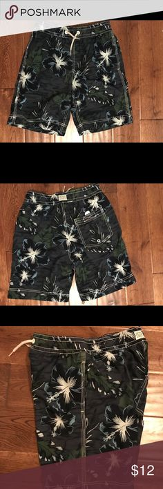 Gap kids boys swim trunks Sz XL(12) GUC Gap big boys XL swim trunks. No holes or tears. GAP Swim Swim Trunks