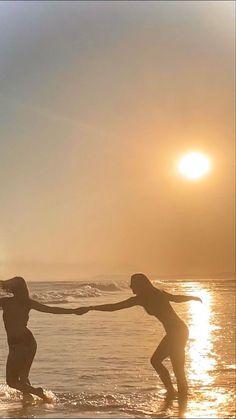 Beach Aesthetic, Summer Aesthetic, Summer Feeling, Summer Vibes, Shotting Photo, Summer Goals, Summer Dream, Summer Baby, Best Friend Pictures