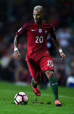 Ricardo Guaresma, a favor del seleccionado nacional portugués.
