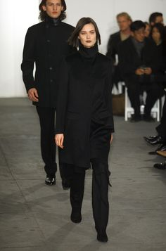 Shalom Harlow for Helmut Lang Fashion Show, Fall/Winter 2001