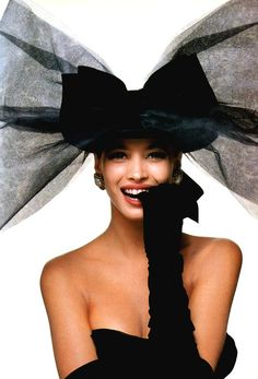 Photo: Bill King for American Vogue, October 1986. Model: Christy Turlington, bow by Chanel.