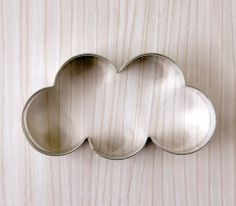 Cloud cookie cutter. Hand wash and towel dry only. Measures: 4 inches wide