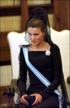 Princess Letizia of Spain wearing black mantilla and peineta at meeting with the Pope