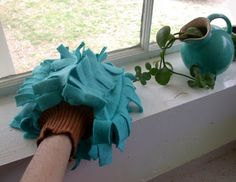 upcycle diy: we wilsons: Spring Cleaning Dust Mitt Tutorial