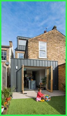 42 Awesome Terrace House Extension Design Ideas With Open Plan Spaces - Extending your home by building outside can have a significant impact on your property's curb appeal when it comes time to list your house on the mark. Black Cladding, Zinc Cladding, House Cladding, Exterior Cladding, House Siding, Brick Extension, House Extension Design, Extension Designs, House Design