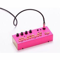 CRITTER & GUITARI - Critter & Guitari Bolsa Bass Machine (neon pink)