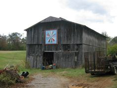 Applachain Barn Quilt Trail...Green County, Tennessee...Nolichucky Bend Farms  Dresden Plate