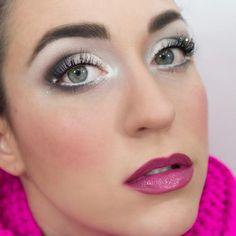 Winter Makeup Tutorial: Snowy Eyes Bronze Makeup, Blue Makeup, Winter Makeup, Holiday Makeup, Pantomime, Eyebrow Makeup, Makeup Eyeshadow, Makeup Tips, Beauty Makeup