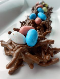 No-Bake Chocolate Bird Egg Nest Cookies (Fun Kid Recipe) | Six Sisters' Stuff--for studying bird's nests this week (N)
