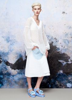 Knitwear for Spring and silicone to wear by Xiao Li Daily Fashion, Fashion Art, High Fashion, Winter Fashion, Fashion Design, Woman Fashion, Xiao Li, Fashion Project, White Style