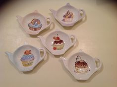 Teneri e porta bustine the con cup cake China Clay, Inspirational Artwork, China Painting, Pottery Painting, Hand Painted Ceramics, Tea Set, Tea Time, Tea Party, Tea Cups