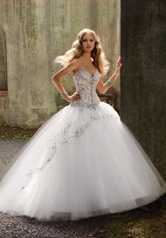 Bridal Gowns Eve Of Milady Princess Ball Gown Wedding Dress With Sweetheart Neckline And Dropped Waist Waistline