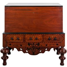 Antique Indo-Dutch or Dutch Colonial Mahogany and Ebony Chest on Stand Vintage Country, Vintage Wood, Vintage Antiques, Art Furniture, Antique Furniture, Modern Furniture, Oak Dresser, Colonial Furniture, Vintage Blanket