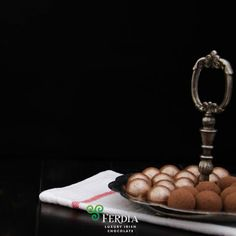 its official ! As confirmed on the Derek Mooney show on on Friday 12 February Ferdia Irish chocolate IS actually good for you! Irish Chocolate, Beautiful Gift Boxes, February, Friday, Gifts, Handmade, Favors, Craft, Presents