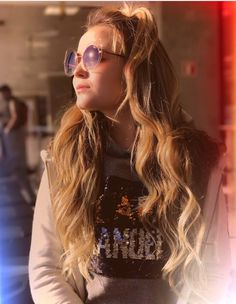 Sabrina Carpenter, Round Sunglasses, Mirrored Sunglasses, Charli Xcx, Tumblr Girls, Sexy, Outfits, Beauty, Divas