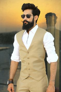 From being a farmer to an influencer in the fashion world, meet Lokendra Singh Ranawat Photogallery - Times of India Mens Wedding Wear Indian, Wedding Dress Men, Wedding Men, Mens Hairstyles With Beard, Hair And Beard Styles, Hair Styles, Indian Men Fashion, Mens Fashion Suits, Men's Fashion