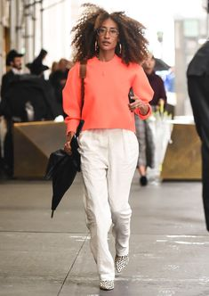 elaine welteroth wearing white pants in fall Black Girl Fashion, Curvy Fashion, Urban Fashion, Womens Fashion, Fashion Edgy, Fashion Fall, Fashion 2018, Style Fashion, 30 Outfits