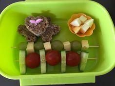 Top 40 Beispiele für Büttenpapier-Events - Everything About Kindergarten Fingerfood Baby, Soul Food, Finger Foods, Food Art, Kids Meals, Lunch Box, Food And Drink, Veggies, Fruit