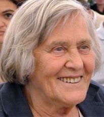 Margherita Hack (Firenze, 12 giugno 1922 – Trieste, 29 giugno 2013) astrofisica e divulgatrice scientifica italiana, professore ordinario di astronomia all'Università di Trieste e prima donna italiana a dirigere l'Osservatorio Astronomico di Trieste dal 1964 al 1987, portandolo a rinomanza internazionale