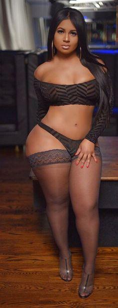 Big Booty Latina Lesbian Strap