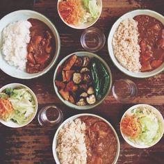 Japanese Curry Rice カレーライス、夏野菜オリーブオイル焼き、サラダ。 #おうちごはん - @hrk_hsmr- #webstagram
