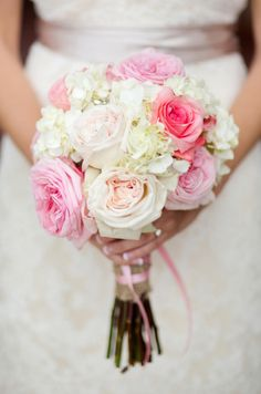 pink roses & white hydrangea bouquet // photo by Katelyn James Photography