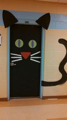 from her campus 7 halloween door decoration ideas