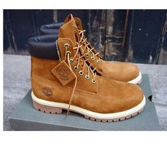 Timberland Mens Shoes, Timberland Boots Outfit, Timberlands Shoes, Fly Boots, Cool Boots, Mode Masculine, Mens Boots Fashion, Fashion Shoes, Timbaland Boots