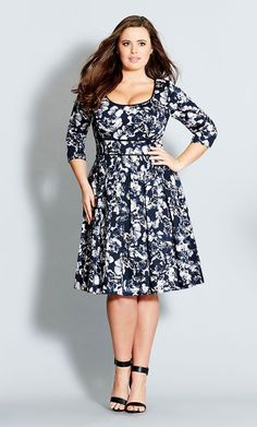Another great dress: high waist, 3/4 sleeves, navy & white pattern - love!