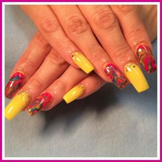 Yellow Marbleized Effect Nails