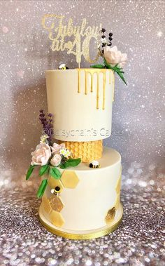 I'm so pleased with the final look of this cake ☺️ I was asked by an old colleagues husband if I could make her a special cake for her I'm not taking any more orders as I now work full time but I couldn't resist! First Birthday Invitations, 40th Birthday, Cake Eater, Diy Embroidery Patterns, Bee Cakes, Bee On Flower, Happy 40th, Honey Cake, Flower Cakes
