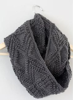 Diamond Carved Cowl Pattern | AllFreeKnitting.com