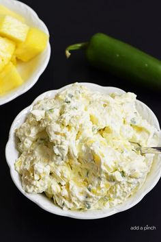 This Pineapple Jalapeno Cream Cheese Spread recipe is so easy and delicious! With four ingredients, it's sweet, spicy and a great spread to enjoy anytime! Jalapeno Cream Cheese Dip, Cream Cheese Stuffed Jalapenos, Cream Cheese Dips, Cream Cheese Spreads, Homemade Ham, Homemade Pickles, Cream Cheese Sandwiches, Jalapeno Recipes, Sandwich Spread