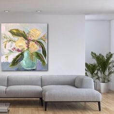I like the serene feel here. Are you tired of grey yet?#floralartist #greyinterior #greyinteriors