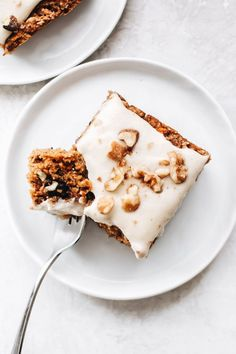 Vegan gluten-free carrot cake - Karotten, Möhren Rezepte - Carrot recipes - To eat healthy food Gluten Free Carrot Cake, Healthy Carrot Cakes, Gluten Free Cakes, Gluten Free Desserts, Vegan Gluten Free, Gluten Free Recipes, Vegan Recipes, Dessert Recipes, Cake Recipes