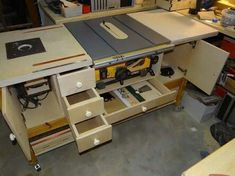 Table saw bench with router