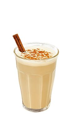 Discover the Baileys Pumpkin Spiced Chai, made with Baileys Pumpkin Spice. This rich chai tea recipe perfectly encompasses the flavors of fall. Baileys Drinks, Baileys Recipes, Tea Recipes, Coffee Recipes, Recipies, Drink Recipes, Dinner Recipes, Baileys Original Irish Cream, Baileys Irish Cream