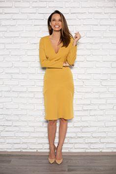 Tot ce trebuie sa stii despre petele de culoare din tinute Personal Branding, Wrap Dress, Nyc, Shopping, Fall, Dresses, Style, Fashion, Autumn