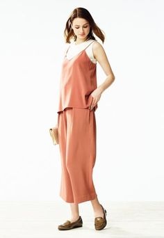 Loose fit with a low-key style, our Drape Wide Leg Ankle Length Pants are sure to be the most comfortable piece in your wardrobe.
