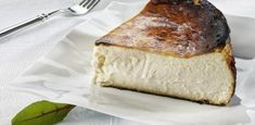 """La tarta de queso vasca, """"sabor del año"""" según The New York Times Tea Cookies, Breakfast Cookies, Almond Biscotti Recipe, Curry Ramen, Gluten Free Blueberry, Queso Fresco, Homemade Biscuits, Fried Vegetables, Time To Eat"""