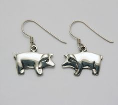 Flat Pig Earrings at theBIGzoo.com, an animal-themed superstore.